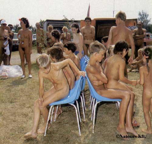 Nude indische Jungen Bilder akt Indian Jungen